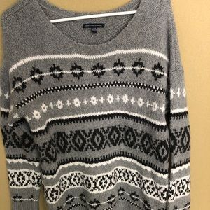 American Eagle Patterned Gray Sweater